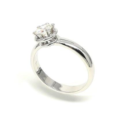 Anello donna in Oro bianco e Diamanti Solitario