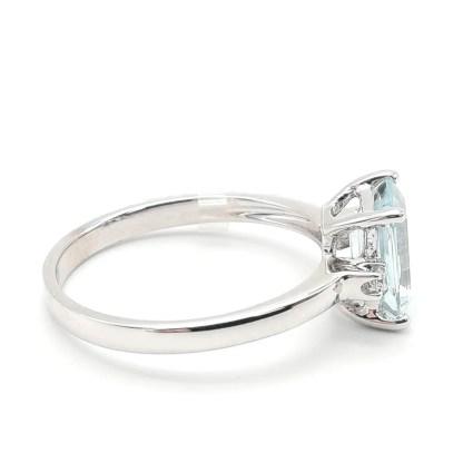 Anello donna in Oro bianco Acqua marina e Diamanti