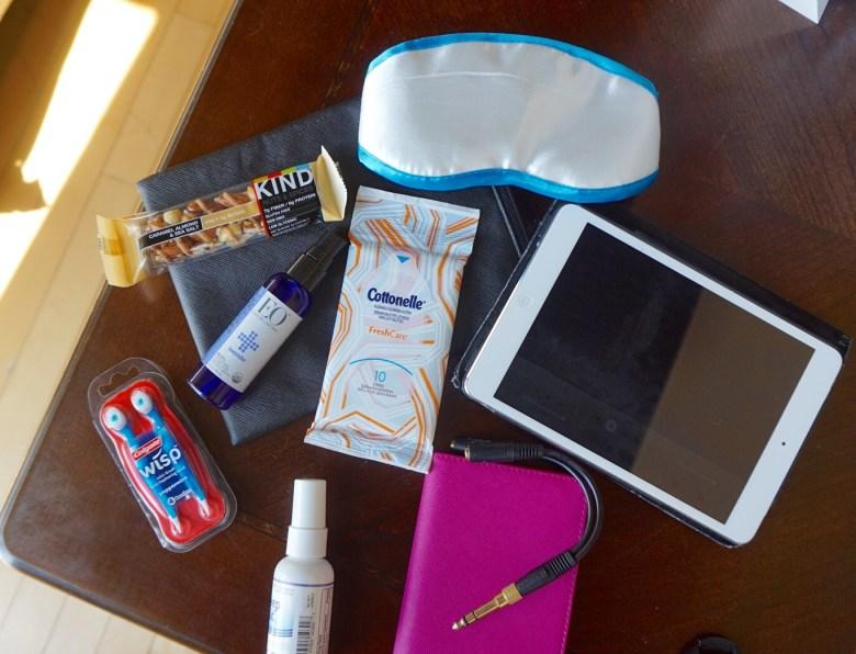 travel-essentials-melissa-chataigne-stylist