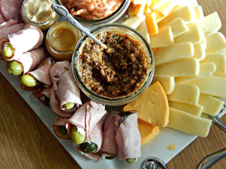 @melissakaylene #christmas food platter ideas