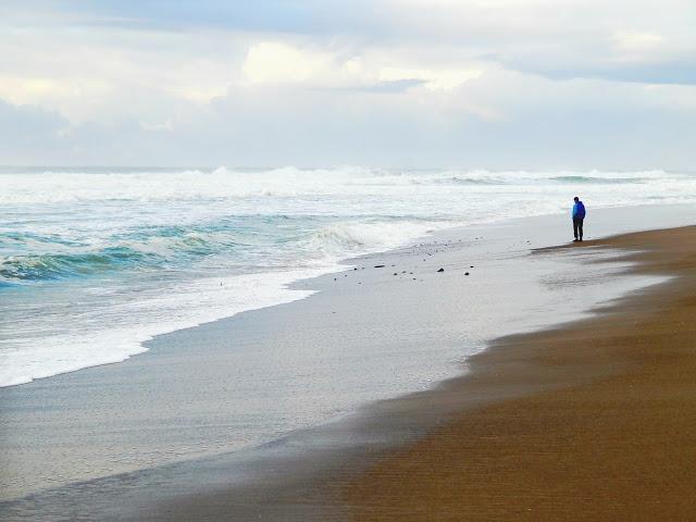 On The Beach in November // @MelissaKaylene