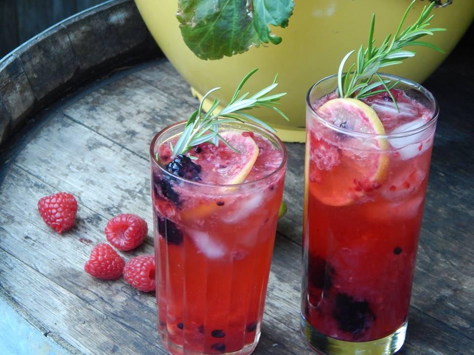 berry lemon cocktail