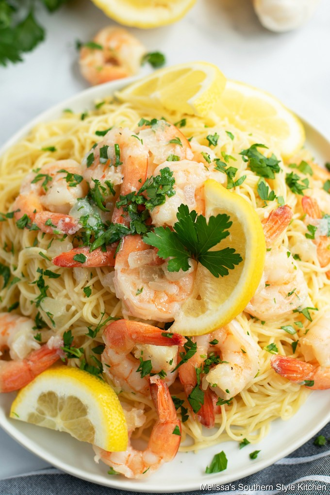 Easy Shrimp Scampi in a pasta bowl with parsley and lemon slices
