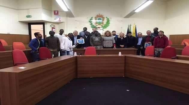 MELITO, CONFERENZA STAMPA MIGRANTI AL SERVIZIO DEL COMUNE