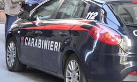 Melito, tentato femminicidio nella centralissima via Roma