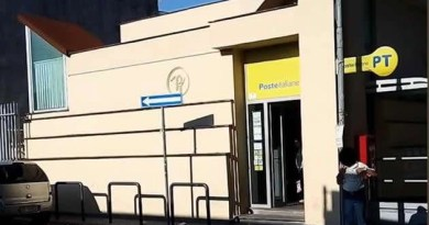 Melito ufficio postale via Don Raffaele Abete