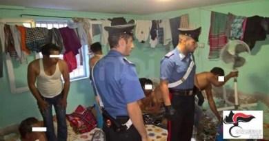 Carabinieri e extracomunitari
