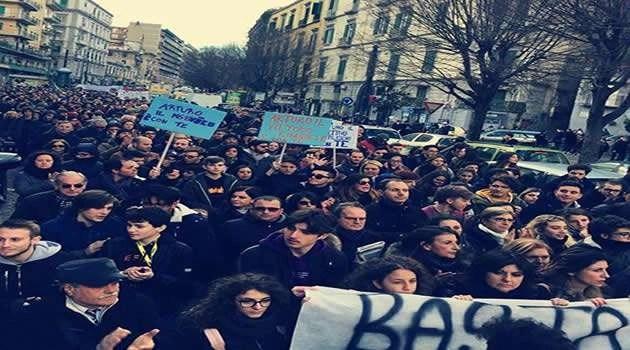Napoli si mobilita: Basta Violenze! Gaetano siamo con te!