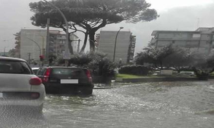 Maltempo, nuova allerta meteo su Napoli e Campania della Protezione Civile