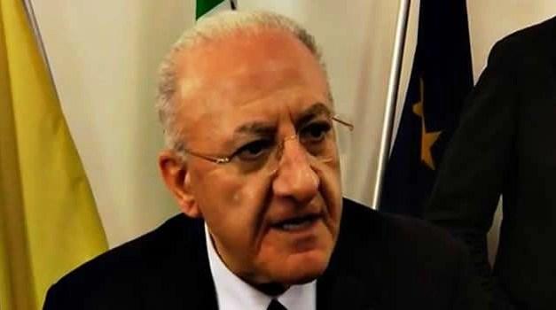 """De Luca contro il Governo: """"La situazione è preoccupante nelle carceri"""""""