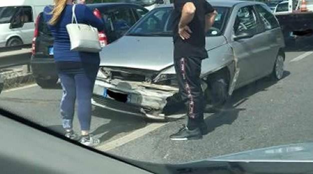 Nuovo incidente sull'asse mediano, traffico paralizzato e code lunghissime
