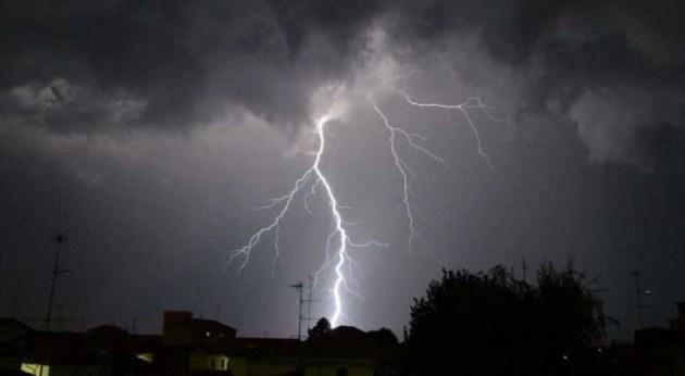 temporale fulmine