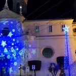 """Melito. """"Natale a costo zero, ma il comune spende 17 mila euro per le luminarie"""": la denuncia di Melito Adesso"""
