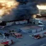 Casoria. Maxi incendio in capannone di alluminio