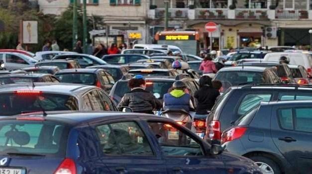 Sciopero dei mezzi e traffico in tilt: forti rallenamenti nelle zone urbane e sulle autostrade