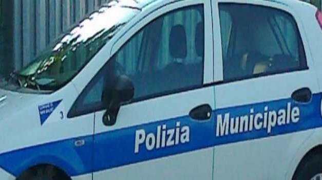 Melito. Sequestrate 3 auto e una moto