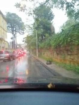Melito. Tra pioggia e monnezza