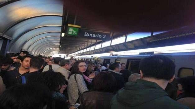 Linea 1 della metropolitana nel caos