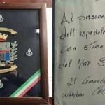 Polizia penitenziaria rende omaggio all'esercito col camice bianco