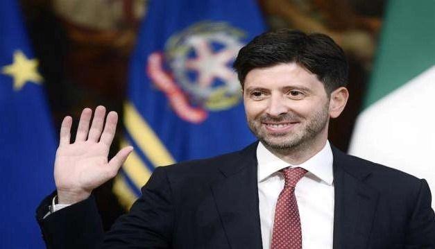Coronavirus: Speranza difende l'Italia