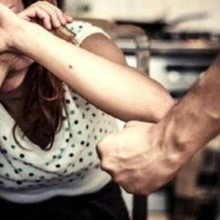 Napoli - Cronaca. Violenza domestica in una famiglia di Secondigliano: arrestato un uomo