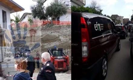 Crolla un muro nel napoletano: 4 operai sepolti tra le macerie