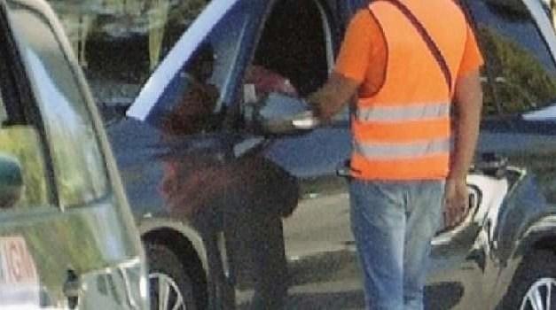 Guerra ai parcheggiatori abusivi: l'operazione della Polizia