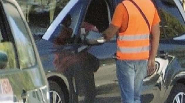 Cronaca, Napoli: parcheggiatore abusivo percepiva reddito di cittadinanza