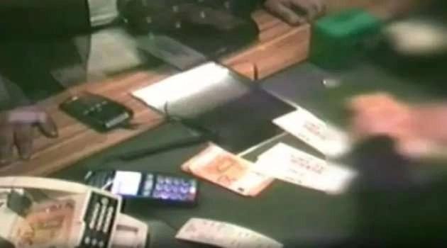 Clonavano carte di credito e le riutilizzavano a scopo di lucro. Sgominata banda napoletana