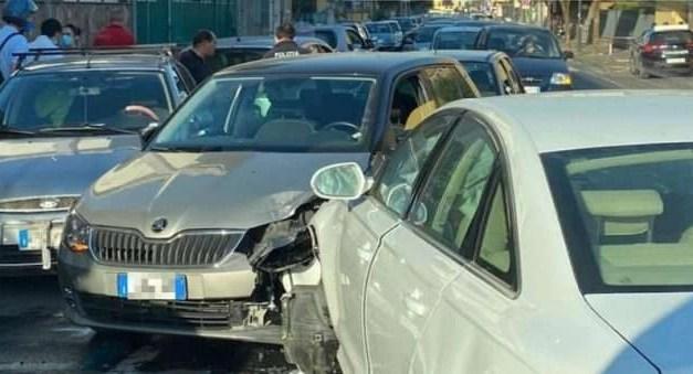 Giugliano. Tre auto coinvolte in un incidente