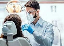 Cronaca, Napoli: faceva il dentista senza averne titoli