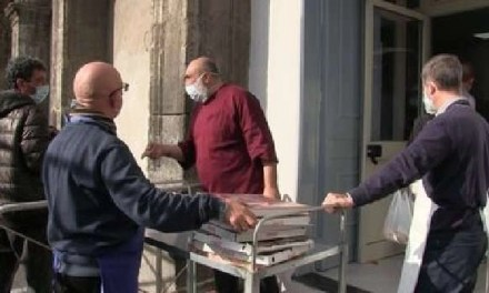 Napoli, cronaca. La generosità dei napoletani attraverso una donazione di pizze