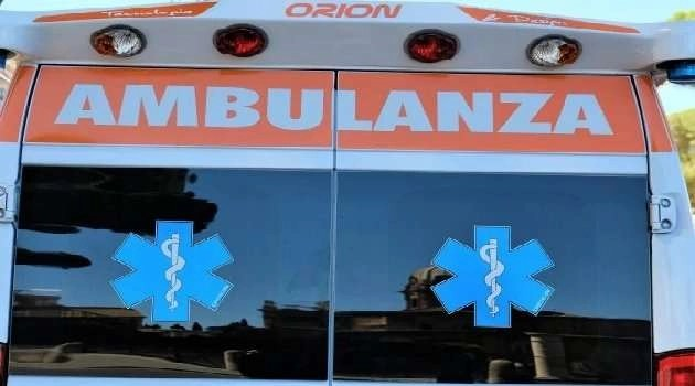 Napoli, cronaca Il boom delle ambulanze abusive a mille euro