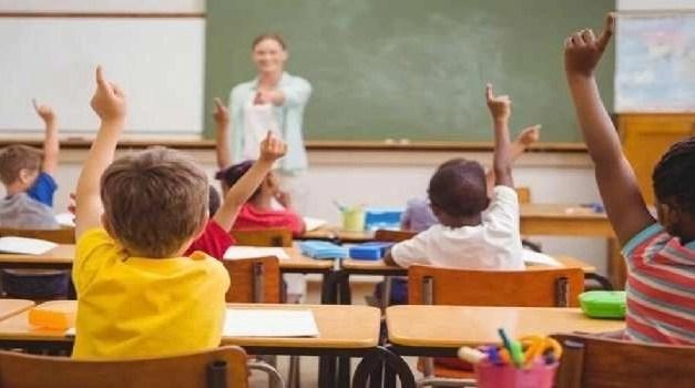 Campania, scuola Tornano in classe le quarte e le quinte il 25 gennaio