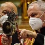 Napoli, cronaca Non si scioglie il sangue di San Gennaro