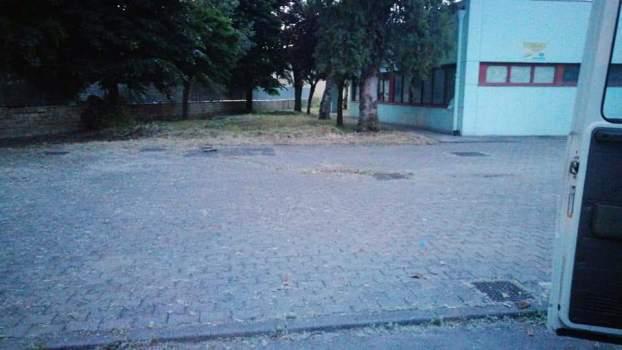 Melito. Il grande cuore dei cittadini: ripulito edificio scolastico