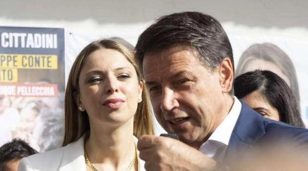 Giuseppe Conte a Melito per la candidata sindaco Dominique Pellecchia