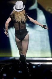 Le foto di Madonna durante lo Sticky and Sweet tour di Milano -12