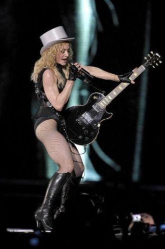 Le foto di Madonna durante lo Sticky and Sweet tour di Milano - 7