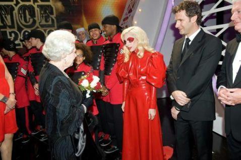 Lady GaGa e la regina Elisabetta 1
