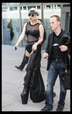 Lady GaGa atterra a Heathrow 6