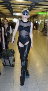 Lady GaGa atterra a Heathrow 11