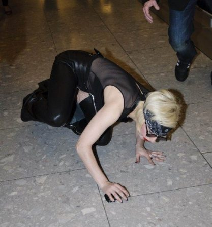 Lady GaGa atterra a Heathrow 13