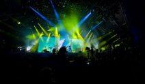 Coldplay - luci e fuochi pirotecnici al Glastonbury festival 2011