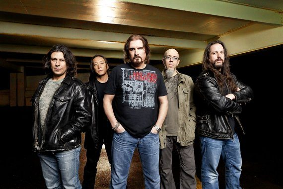 "Dream Theater, ""On The Backs Of Angels"" in streaming"
