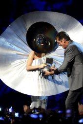 Lady Gaga premiata agli EMA 2011 | © Ian Gavan/Getty Images