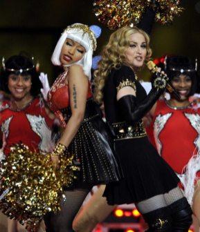 Madonna e Nicki Minaj sul palco | © TIMOTHY A. CLARY/AFP/Getty Images