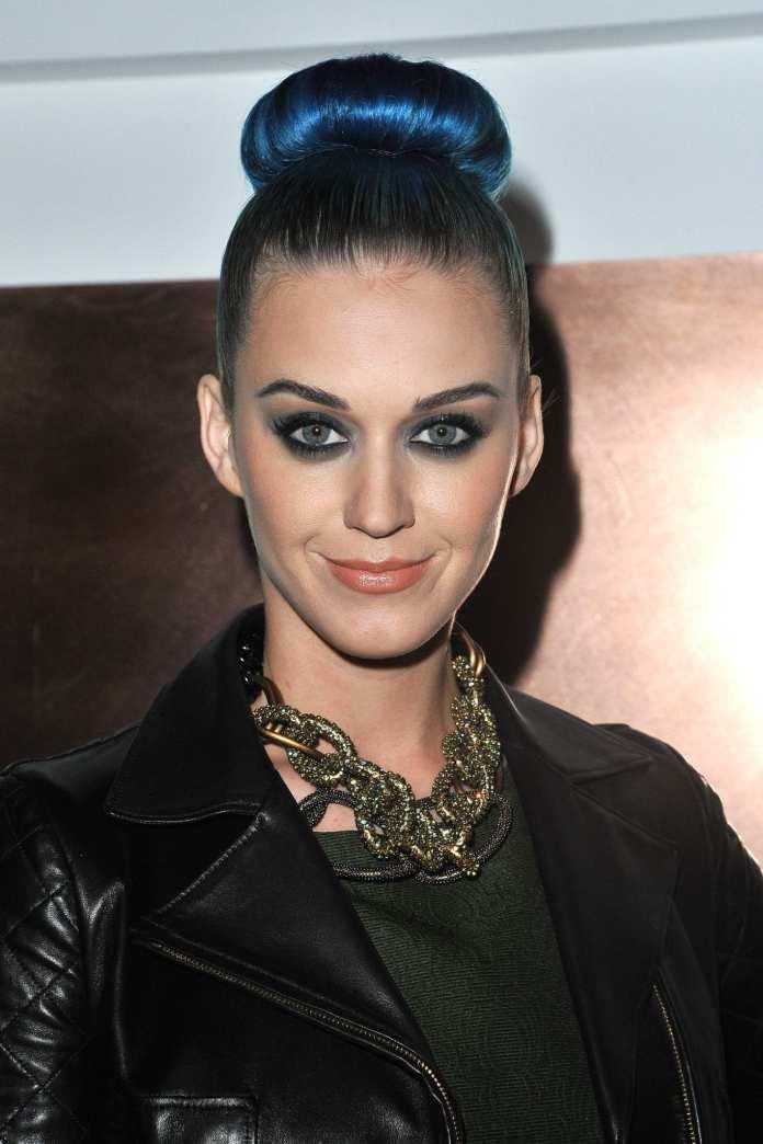 "Katy Perry, on line video megamix dei singoli di ""Teenage Dream"""