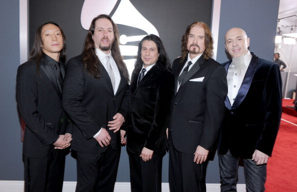Dream Theater, John Petrucci annuncia su Facebook il nuovo album
