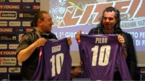 Ghigo Renzulli e Piero Pelù ricevono le maglie viola   © Melodicamente
